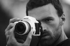Alban Lenoir, Black White Photos, Black And White, Copyright, Sexy Men, Rings For Men, Cinema, Europe, Photography