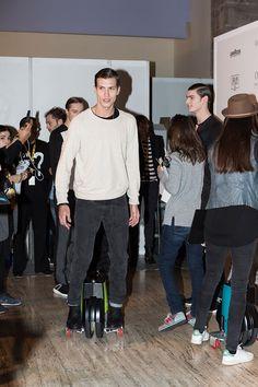 080-Barcelona-Fashion-FW15-Backstage_fy20