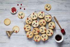 La 1ère case de notre calendrier de l'Avent gourmand dévoile ces biscuits Rennes de Noël: de savoureux sablés vanille très facile à décorer!