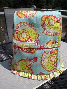 KitchenAid Cover ...♥ ruffle and ric-rac.  Any volunteers to make this for me?   :D