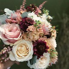 Wedding Flowers, Floral Wreath, Wreaths, Rose, Plants, Home Decor, Pink, Decoration Home, Room Decor
