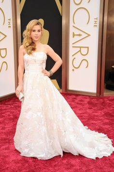 The Oscars 2014  Figure skater Tara Lipinski looks every inch a snow queen in her cream ballgown.