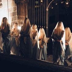"""Títol: Espectacle Eulàlia de l'Esbart Ciutat Comtal a la Catedral de Barcelona Autor: Sergi Ojeda de """"Descobreix Catalunya"""" Imatge enviada per correu electrònic"""