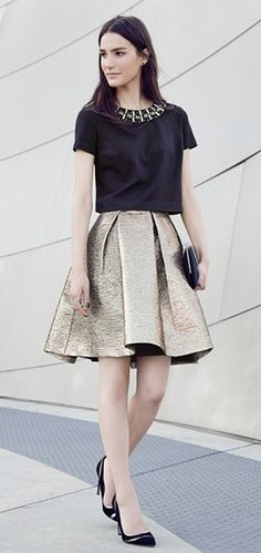 Gorgeous two-piece ensemble! LOVE this look for a holiday party!