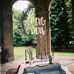 DIY: Hoepel met letters en bloemen voor je bruiloft