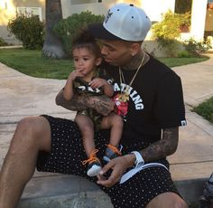 Chris Brown daughter royalty beautiful little girl baby Brown royalty birthday party Cute Family, Baby Family, Family Goals, Family Life, Trey Songz, Big Sean, Ryan Gosling, Daddys Girl, Baby Daddy