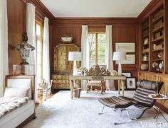 After tastemaker Tara Shaw landed her dream home in New Orleans, there was just one thing to do: decorate. See how she infused the space with European charm. Home office, traditional design style, home design ideas, interior decorating inspiration Interior Exterior, Interior Design, Interior Decorating, Decorating Ideas, Neoclassical Design, New Orleans Homes, Study Design, European Home Decor, European Style