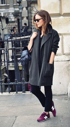New Balance | ¡¡ Es cuestión de Estilo !!! - Fashion Blog Looks Street Style, Looks Style, Burgundy New Balance, Look Fashion, Womens Fashion, Fashion Trends, Street Fashion, Street Chic, Fashion News
