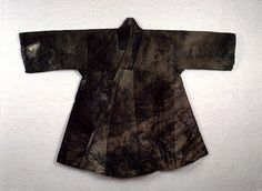 Outer garment of Kim Ham. (Jingnyeongpo). Important Folklore Cultural Heritage 209. Kim Ham (1568-1598) was a Joseon Dynasty general, died after fighting with Japanese pirates.