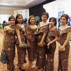 Batik Batik Kebaya, Kebaya Dress, Batik Dress, Lace Dress, Kebaya Brokat, Batik Fashion, India Fashion, Model Kebaya, Blouse Styles