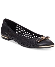 98.00$  Watch now - http://vigwg.justgood.pw/vig/item.php?t=wfrz2153880 - Celindan Perforated Ballet Flats 98.00$
