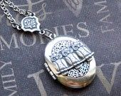 Silver Oval Locket Necklace Enchanted Birds by TheEnchantedLocket
