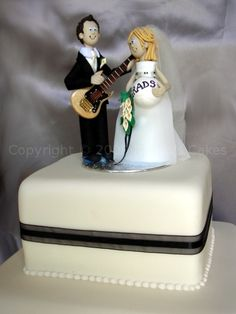 groom wedding cake. Oh, god now who does this remind me of?