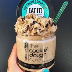 This looks yummy! It's edible cookie dough without eggs so it is okay to eat raw. It is specifically designed for cookie dough lovers and can be bought at any Fresh Market. Yummy Treats, Delicious Desserts, Sweet Treats, Dessert Recipes, Dessert Food, Edible Cookies, Edible Cookie Dough, I Love Food, Good Food