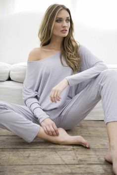 Such a pretty, comfy outfit for the day after Girls Night! Love Fashion, Autumn Fashion, Casual Wear, Casual Outfits, Lingerie Shoot, Slouchy Tee, Lingerie Sleepwear, Nightwear, Beautiful Lingerie