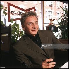 Barry Manilow 1983 | Photo of Barry MANILOW; posed, in an Italian Bar in Mulberry Street ...