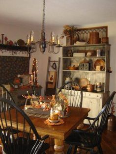 Primitive dining room in Autumn Primitive Dining Rooms, Country Dining Rooms, Primitive Kitchen, Primitive Furniture, Country Kitchen, Primitive Country, Primitive Decor, Prim Decor, Primitive Fall