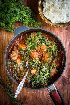 Mirabelkowy blog: Kurczak po gruzińsku w ziołowym sosie pomidorowym Chili, Curry, Menu, Dinner, Ethnic Recipes, Blog, Poultry, Recipies, Menu Board Design