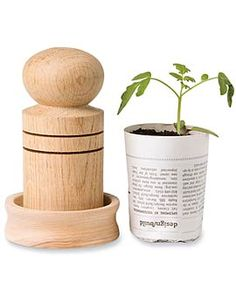 Paper Pot Maker--transforms newspaper scraps into little pots for growing seeds. Then plant seedling and pot right into the ground. Cactus Flower, Flower Pots, Diy Flower, Flower Seeds, Garden Supplies, Garden Tools, Garden Projects, Wood Projects, Garden Gadgets
