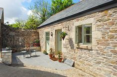 An Idyllic Country Cottage - Cornwall, England