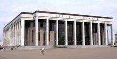 Palace of Republic Palác Republiky (un miembro de Facebook, abr 2010)