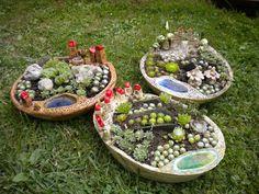 Risultati immagini per töpfern anregungen weihnachten Ceramic Flower Pots, Ceramic Birds, Ceramic Planters, Ceramic Art, Ceramics Projects, Clay Projects, Pottery Bowls, Ceramic Pottery, Pottery Houses