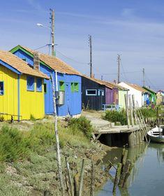 L'Île d'Oléron est belle de ses #paysages et de ses #maisons colorées !  #CharenteMaritime #sea #seaside #France #Atlantique #paysage #Ile #Oleron #landscape #fishing #colors #mustsee #visitingFrance