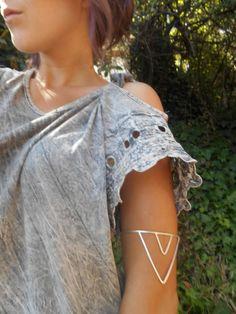 Handmade Sterling Silver Chevron Arrow Upper Arm Cuff by live free spirit on Etsy Boho Fashion, Fashion Beauty, Fashion Outfits, Chevron, Upper Arm Cuffs, Piercing, Arm Bracelets, Premier Designs Jewelry, Madame