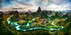 The green hills of Li River Guangxi China Wallpaper [2650x1320]