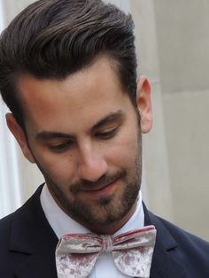 Matthew Zorpas wore our Crushed Pink Velvet Velsvoir Bowtie!