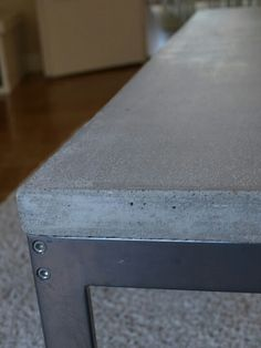 Concrete table top use white frame Concrete Table Top, Concrete Cement, Concrete Furniture, Concrete Design, Concrete Countertops, Diy Furniture, Furniture Design, Patio Table, Outdoor Tables