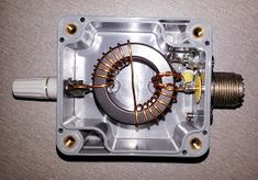 this is a 200 watt pep step up transformer for end fed full and half wave antennas without radials designed as a 200 watt pep. Listed under the Antennas/End-Fed category that is about End-Fed Antenna. Electronics Mini Projects, Diy Electronics, Hf Radio, Radio Shop, Toroidal Transformer, Spy Tools, Ham Radio Antenna, Wifi Extender, Radio Frequency
