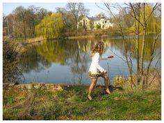 FASHION Secret Garden : In the castle   http://www.alliness.blogspot.com/2015/06/in-castle.html