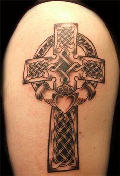 Black and Grey Celtic Cross Tattoo - 35 Awesome Celtic tattoo Designs Hand Tattoos, Mädchen Tattoo, Tattoos Arm Mann, Tattoo Hals, Back Tattoo, Sleeve Tattoos, Thai Tattoo, Maori Tattoos, Girl Tattoos