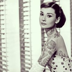 ...et si les icônes de la pop culture étaient toutes tatouées de la tête aux pieds?  http://shoppedtattoos.tumblr.com/