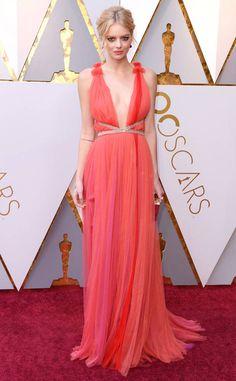 Samara Weaving in Schiaparelli Couture from 2018 Oscars Red Carpet Fashion
