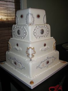 Persian Elegance by Yuma Couture Cakes