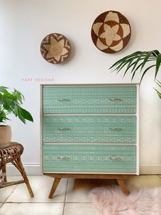 A mid century Remploy Chest of Drawers painted using a two colour combination in Mint Julep and Drop Cloth by Dixie Belle Paint. The BAMAKO stencil from Dizzy Duck Designs has been added to the front to create a hand painted look Chest Furniture, Painted Furniture, Furniture Ideas, Mint Green Furniture, Tallboy Chest Of Drawers, Antique Writing Desk, Patterned Furniture, Painted Sideboard, Dixie Belle Paint