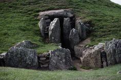 Stony magic in Bryn Celli Ddu, Anglesey, Wales