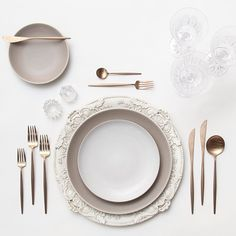Antique White Florentine Chargers + Heath Ceramics in French Grey/Opaque White + Rose Gold Flatware + Czech Crystal/Coupe Trio + Antique Crystal Salt Cellars | Casa de Perrin Design Presentation