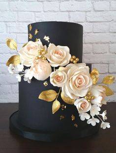 Black Blush and Gold Floral Wedding Cake by Ashley Barbey - Blush Wedding Cakes, Floral Wedding Cakes, Wedding Cake Designs, Navy Blue Wedding Cakes, Wedding Black, Purple Wedding, Rustic Wedding, Lace Wedding, Wedding Flowers