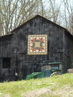 Barn quilt, Dover, Tennessee--like the detail and contrast against the barn