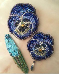 Автор @satin_ribbon 〰〰〰〰〰〰〰〰〰〰〰〰〰〰 По всем вопросам обращайтесь к авторам изделий!!! #ручнаяработа #брошьизбисера #брошьручнойработы #вышивкабисером #мастер #бисер #handmade_prostor #handmadejewelry #brooch #beads #crystal #embroidery #swarovskicrystals #swarovski #купитьброшь #украшенияручнойработы #handmade #handemroidery #брошь #кольеручнойработы #кольеизбисера #браслеты #браслетручнойработы #сутажныеукрашения #сутаж #шибори #полимернаяглина #украшенияизполимернойглины