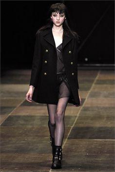Sfilata Saint Laurent Paris - Collezioni Autunno Inverno 2013-14 - Vogue