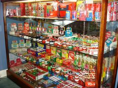 Russell yoyo collection Aluminum Pergola, Display Cabinets, Bookshelves, Coca Cola, Bob, Collections, Cool Stuff, Products, Cabinets