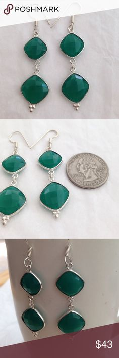 Green % Chalcedony 925 Sterling silver earrings 31 carat Total weight, in these Beautiful, green, faceted % Chalcedony, 2 tiered, dangle earrings. Hand made/crafted with % 925 Sterling silver. French hook fasteners & lovely vintage style detail soldered @ bottom. Gorgeous shine. Light weight comfort NWOT 2.5 inches in length, gem stones meas 1/2X1/2 Handmade/crafted Jewelry Earrings