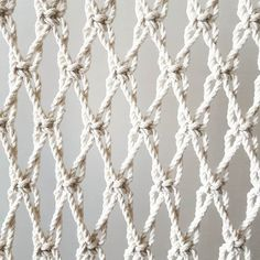 beautiful way to set up a simple square knot