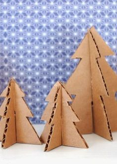 ideas for mini christmas tree crafts for kids Cardboard Tree, Cardboard Christmas Tree, Christmas Tree Crafts, Mini Christmas Tree, Miniature Christmas, Cardboard Crafts, Simple Christmas, Holiday Crafts, Christmas Decorations