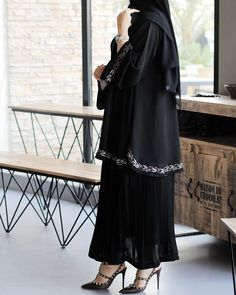 Niqab Fashion, Modest Fashion, Fashion Outfits, Abaya Designs Dubai, Pakistani Wedding Dresses, Wedding Hijab, Indian Dresses, Hijab Style, Abaya Style