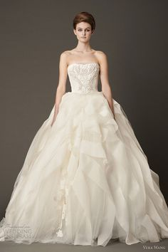 Vera Wang Wedding Dress and Wedding Gowns. Browse through all of our listings for Vera Wang wedding gowns . Vera Wang Wedding Gowns, Vera Wang Bridal, Wedding Dress 2013, Wedding Dress Gallery, Lace Wedding Dress, Amazing Wedding Dress, Designer Wedding Dresses, Bridal Dresses, Gown Gallery